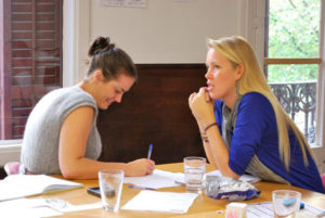 TEFL courses in Barcelona for people without a teaching degree or teaching experience.