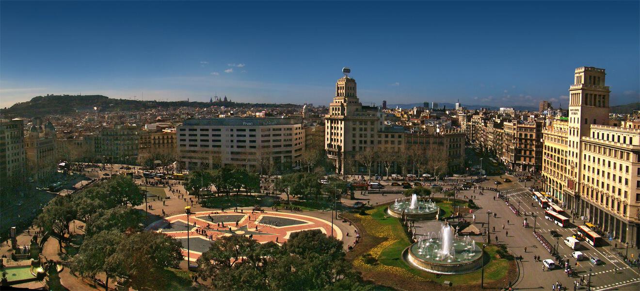 plaza Catalunya_Barcelona a landmark during your tefl studies in spain