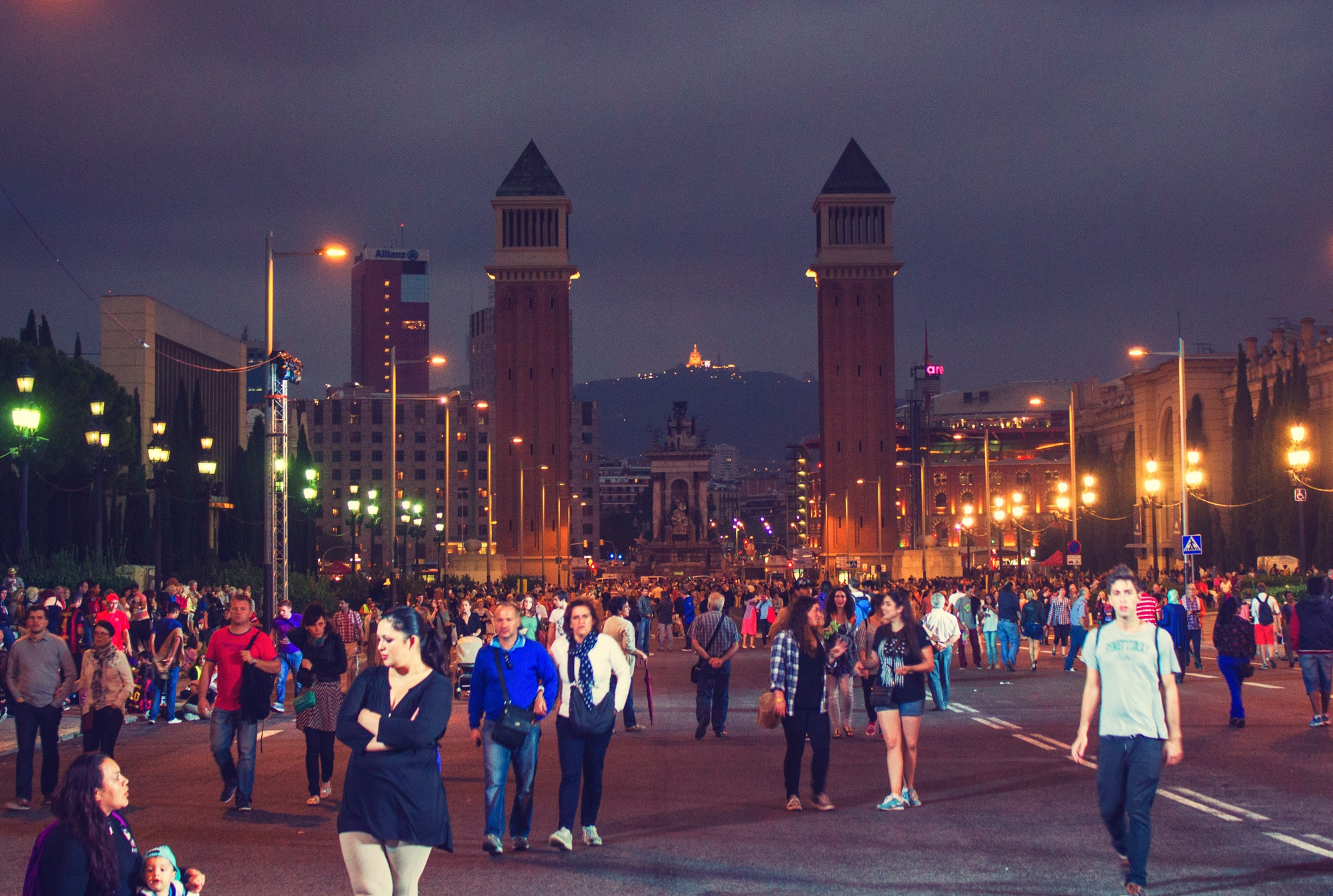expats living in Barcelona, Spain are ranked the happiest in the world